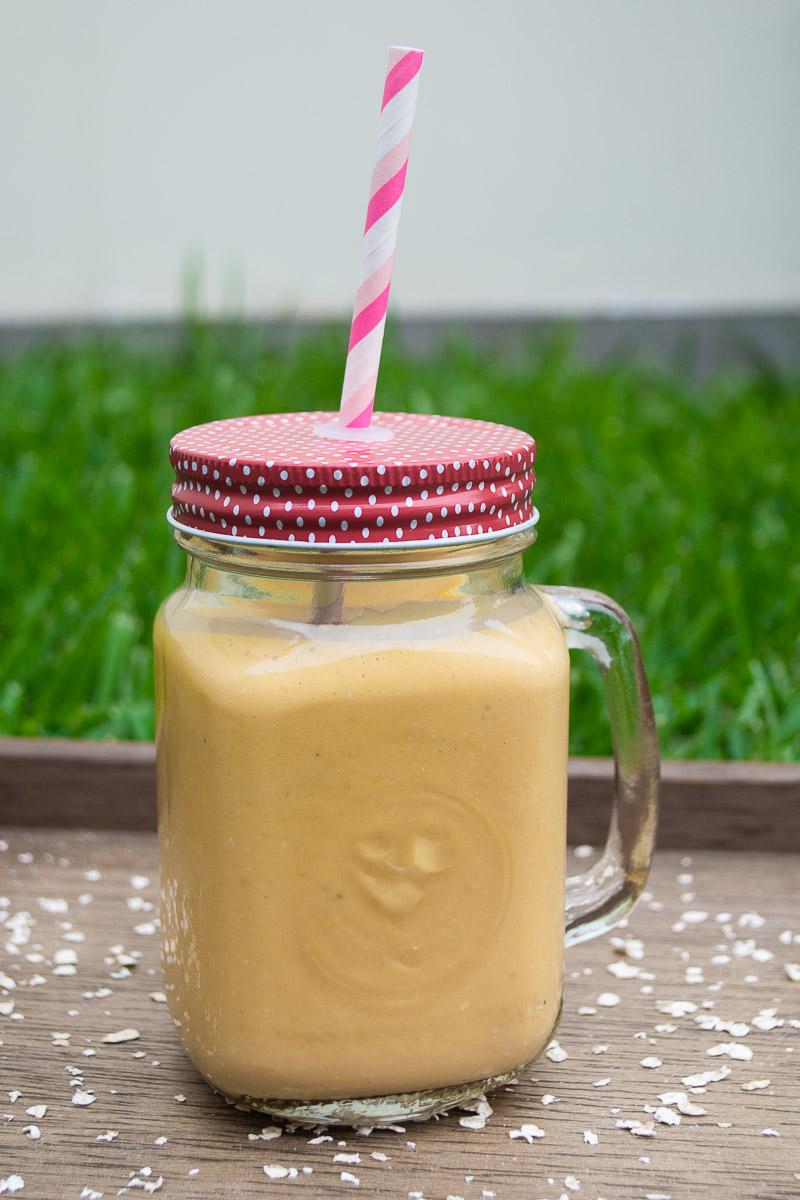 Batido mango con leche condensada
